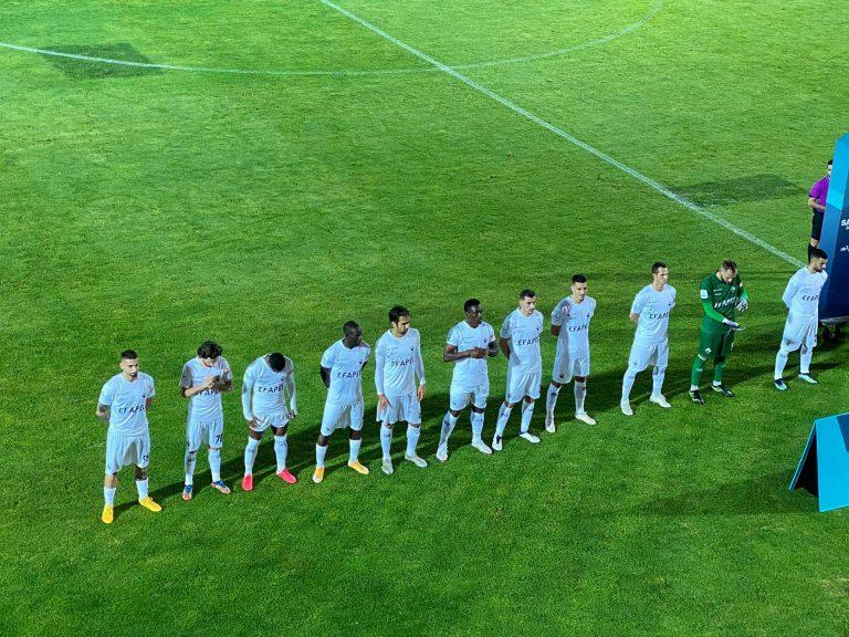 Equipa da Académica OAF frente ao Feirense