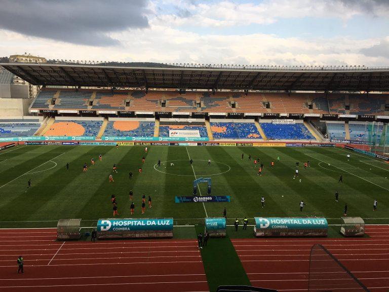 vista aérea do estádio cidade de coimbra no jogo académica x varzim